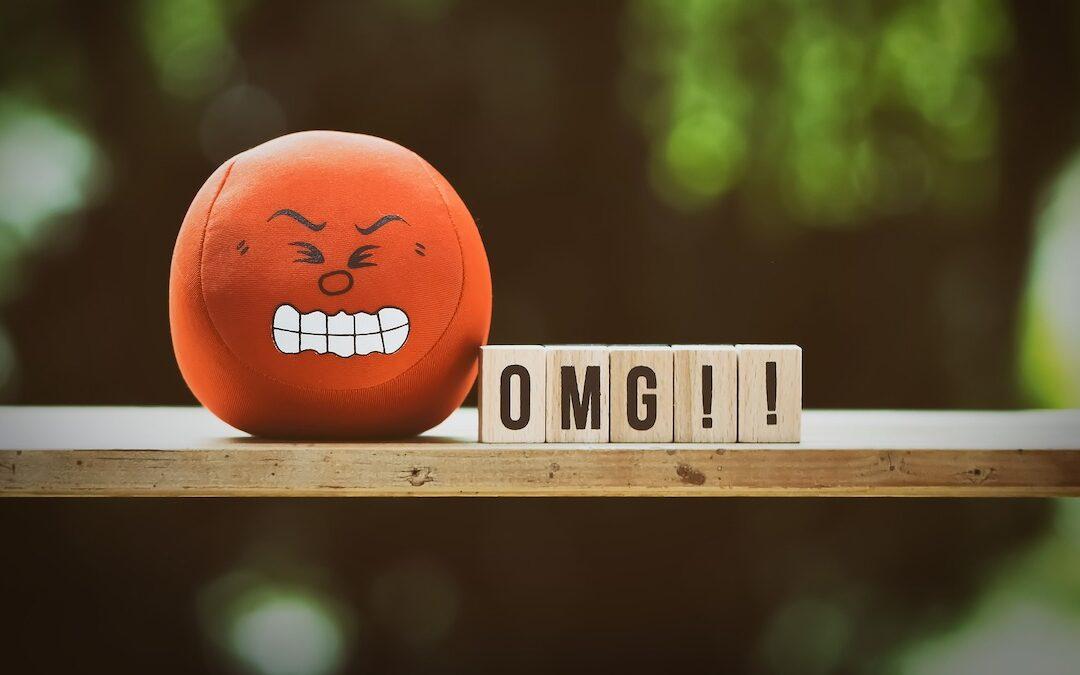 Domani è l'Emoji day: faccina sì o no tra colleghi?