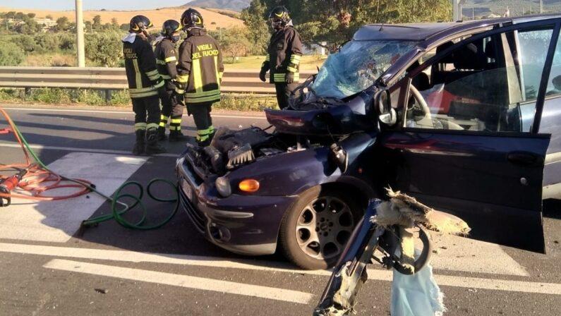 Incidente sul tratto catanzarese della Statale 106 jonica: due morti e due feriti