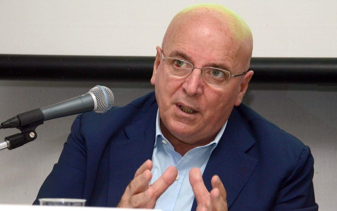 L'ex presidente della Regione, Mario Oliverio