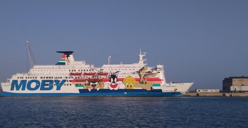 La nave Moby Zaza utilizzata per la quarantena di migranti