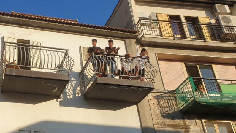Coronavirus in Calabria, bloccati da 40 giorni i migranti minorenni sbarcati a Roccella