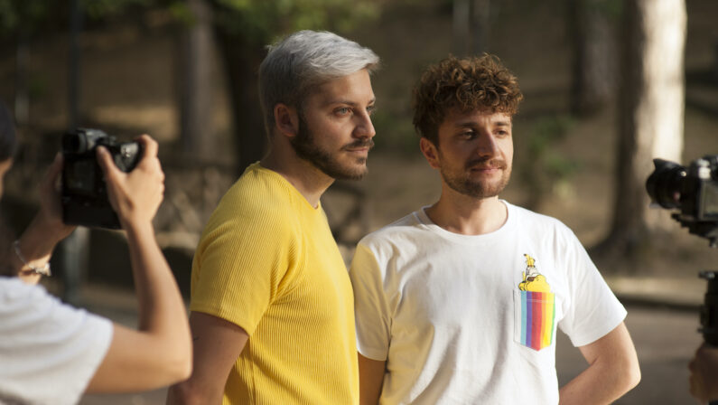 """È online """"Non solo un volto"""", il reportage che racconta la comunità LGBTQ+ di Cosenza - VIDEO"""