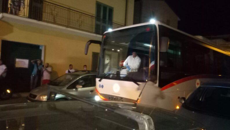 Coronavirus, due nuovi positivi in Calabria. Alta l'attenzione sui migranti: vertice a Catanzaro