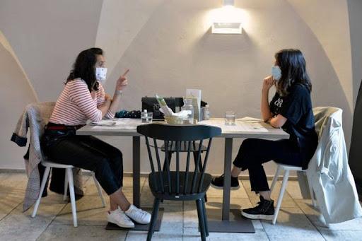"""Covid, De Luca: """"ipotesi obbligo carta d'identità al ristorante"""""""