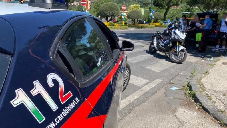 Napoli: controlli dei carabinieri per prevenire gli incidenti, oltre 4.000 le persone trovate alla guida di auto e moto senza la patente, assicurazione e revisione