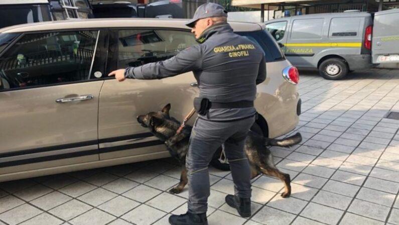 Tenta di imbarcarsi per la Sicilia con 4 chili di cocaina nell'auto a noleggio, arrestato un 51enne reggino