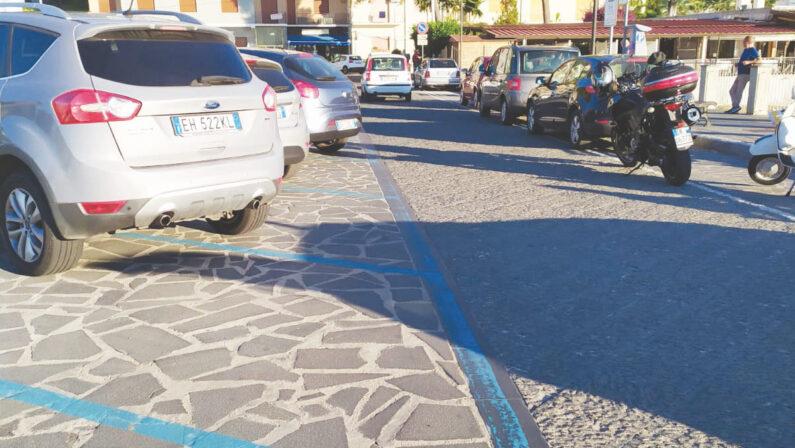 Vibo Valentia, strisce blu sospese fino al 31 luglio