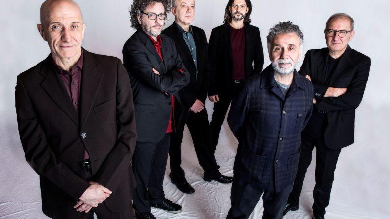 Avion Travel, Sergio Caputo, EbbaneSis e Daniele Sepe, la grande musica sul palco dell'Arena Spartacus Festival di Napoli