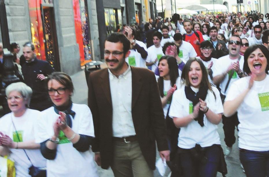 Salvatore Scalzo durante il flashmob di presentazione della candidatura a sindaco nel 2011