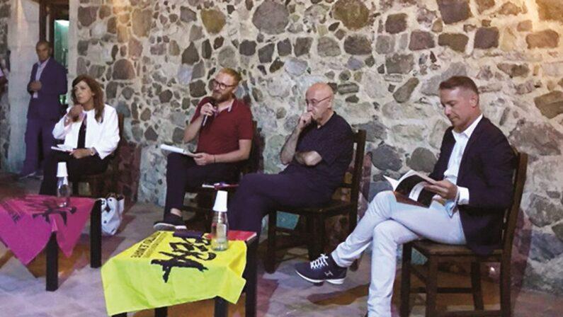 """Pizzo, al castello Murat la presentazione di """"Lupare rosa"""", storie di donne sopraffatte dalle mafie"""