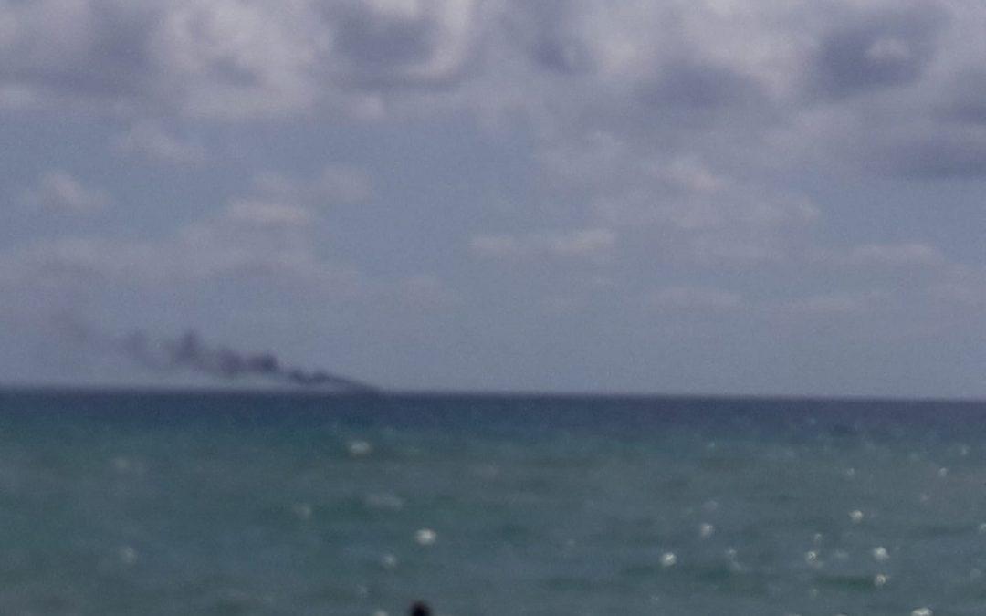 Esplosione su una barca con migranti al largo del mare di Crotone