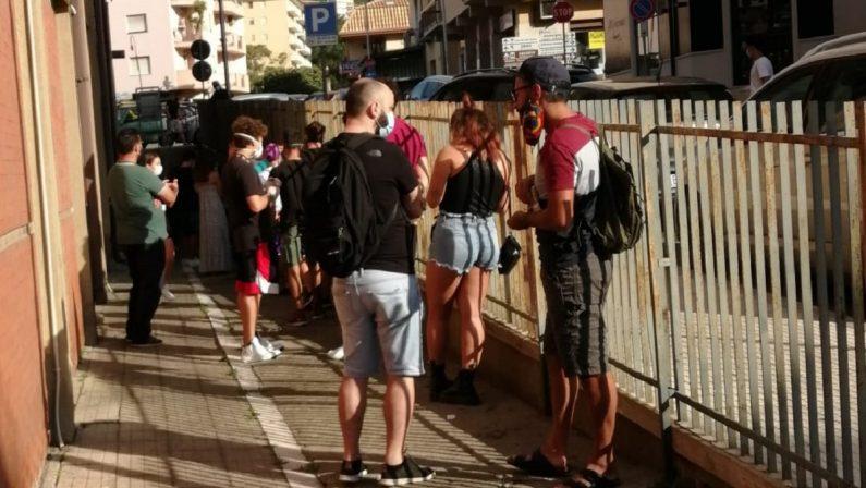 Giovani in discoteca a Soverato, lunga fila a Lamezia Terme per sottoporsi ai test