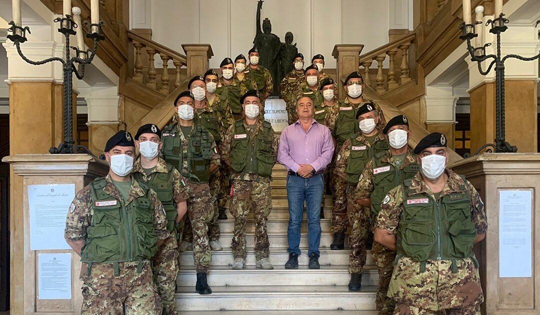Il procuratore Gratteri e i componenti dell'equipe della Croce rossa militare