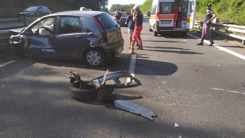 Incidente sulla A2 in direzione sud nel Vibonese: due persone soccorse dall'eliambulanza