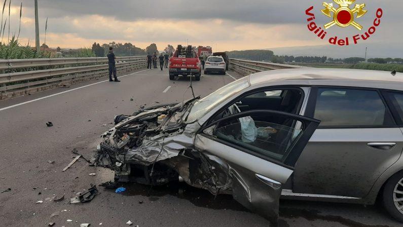 Incidente stradale nel Catanzarese, due persone ferite