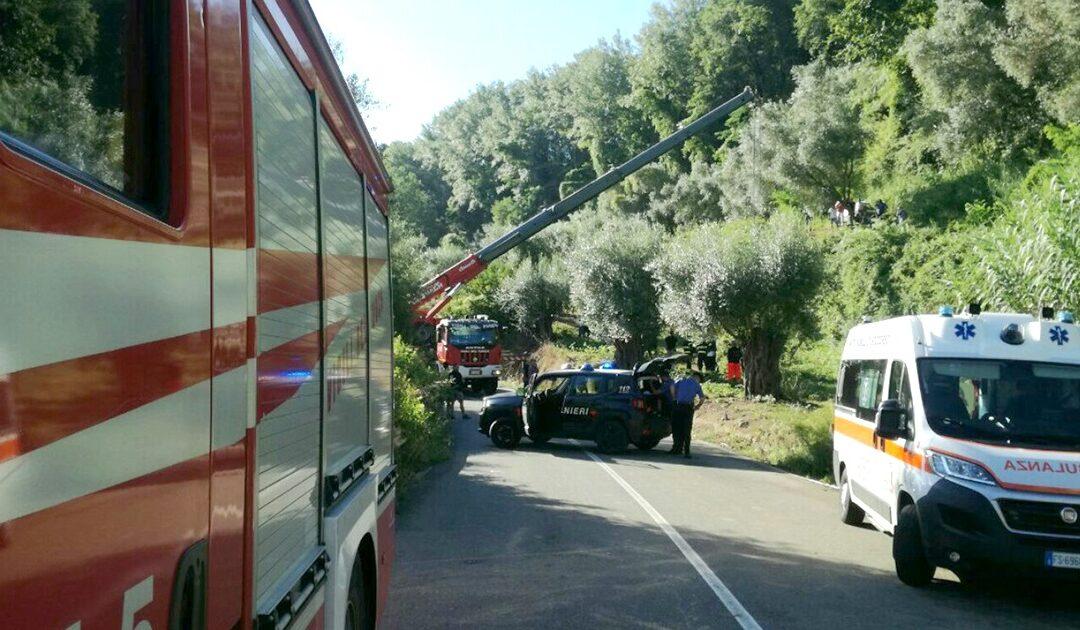 Tragedia a Francica nel Vibonese, si ribalta un trattore e muore un uomo di 50anni