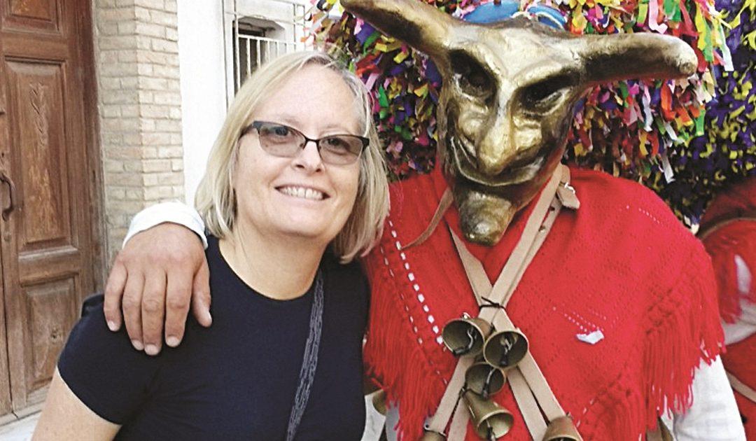 Karen Haid a Tricarico per il raduno delle maschere