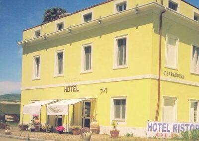 L'ex Hotel Old West di Ferrandina Scalo