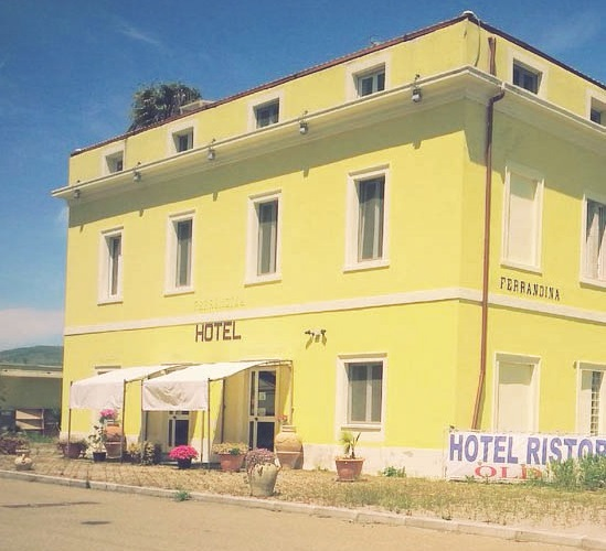 L'ex Hotel Old West di Ferrandina Scalo