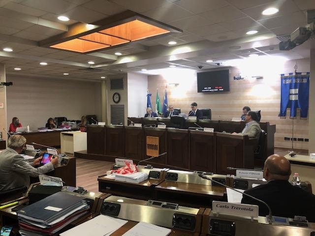 Sanità colonizzata, il nuovo dg del Crob non piace al Consiglio: asse trasversale Lega-opposizioni
