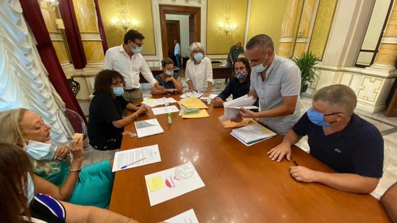 Elezioni comunali, presentate le prime liste. Sono 75 i Comuni al voto in Calabria