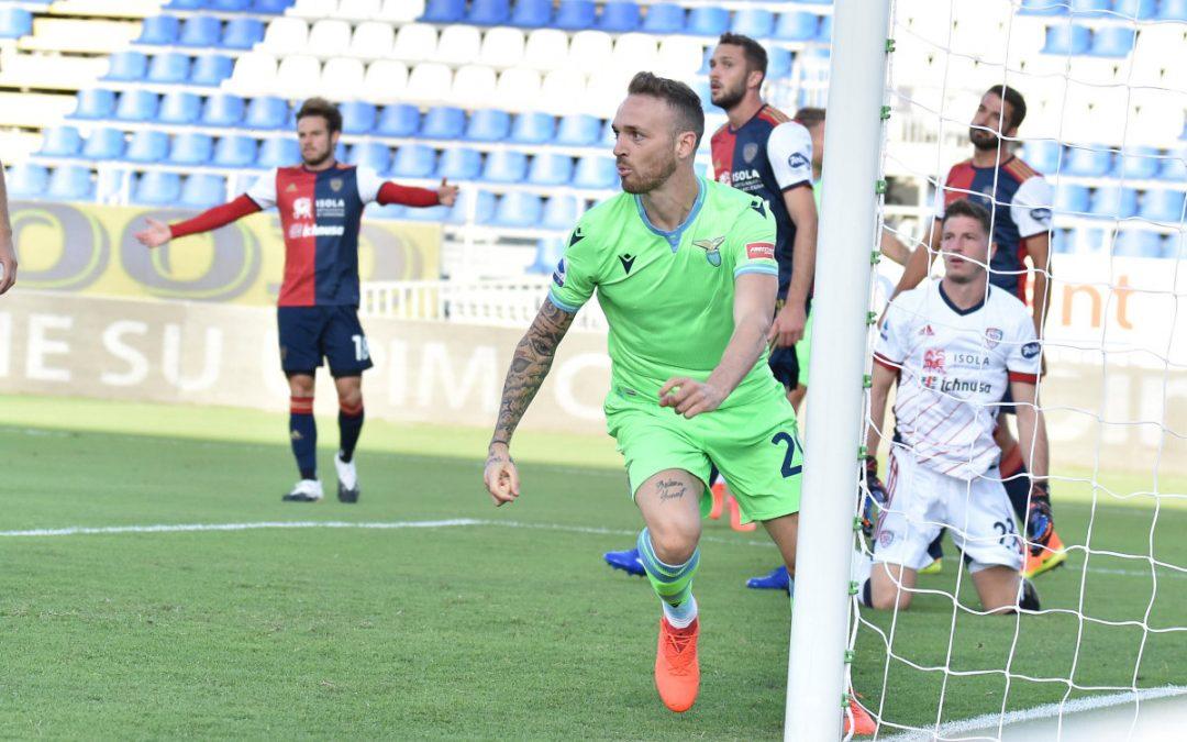 La Lazio vince 2-0 a Cagliari, in gol Lazzari e Immobile