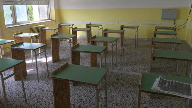 Scuola, i banchi monoposto non arrivano: tagliati quelli a due posti nel Catanzarese