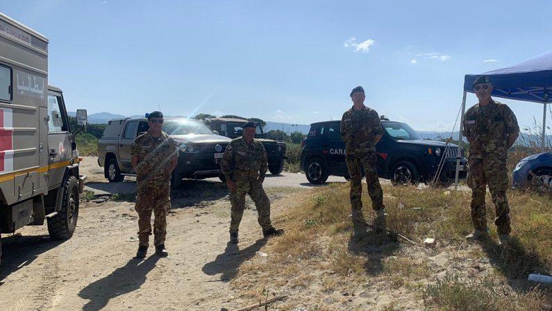 Una mina anticarro sulla spiaggia di Lamezia, intervento dell'Esercito