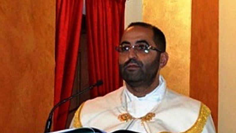 Atti sessuali con minori, nuovo arresto per l'ex parroco di Zungri, don Felice La Rosa
