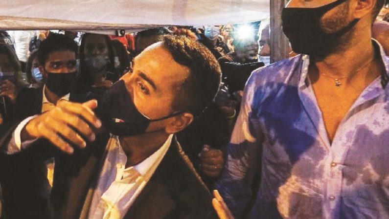 O' Ministro voleva un bagno di folla, accontentato con un gavettone