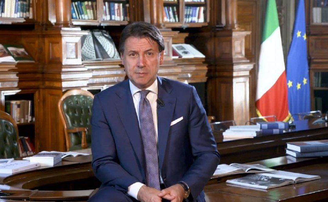 Il presidente Giuseppe Conte durante il suo discorso