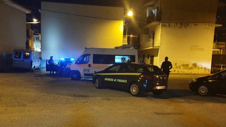 Panico in un seggio a Gizzeria, un uomo si cosparge di benzina e minaccia di darsi fuoco