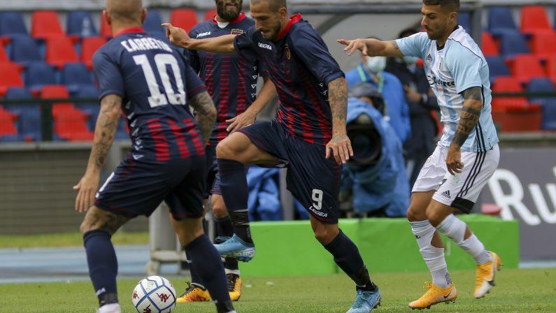 Calcio, Serie B: debutto senza reti per il Cosenza con l'Entella
