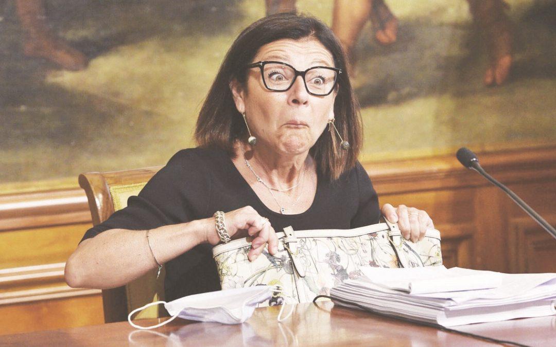 La ministra per le  Infrastrutture Paola De Micheli, a capo di uno dei dicasteri più inconcludenti