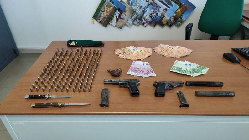 Armi da guerra e munizioni, vibonese arrestato dopo una perquisizione