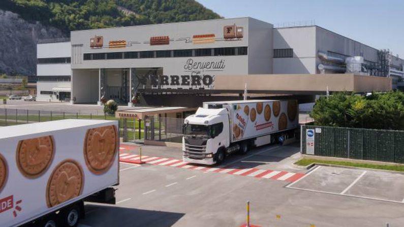 Nutella, premio di produzione per i biscotti (e Matera sul barattolo speciale)
