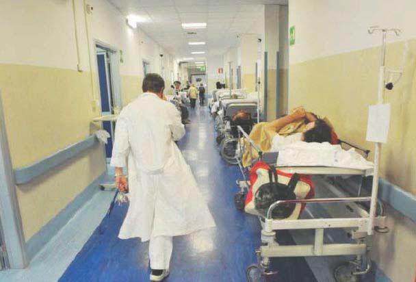 Sanità, ancora accuse a De Luca