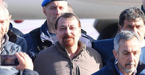 Terrorismo, Cesare Battisti trasferito da Rossano a Ferrara: era in sciopero della fame