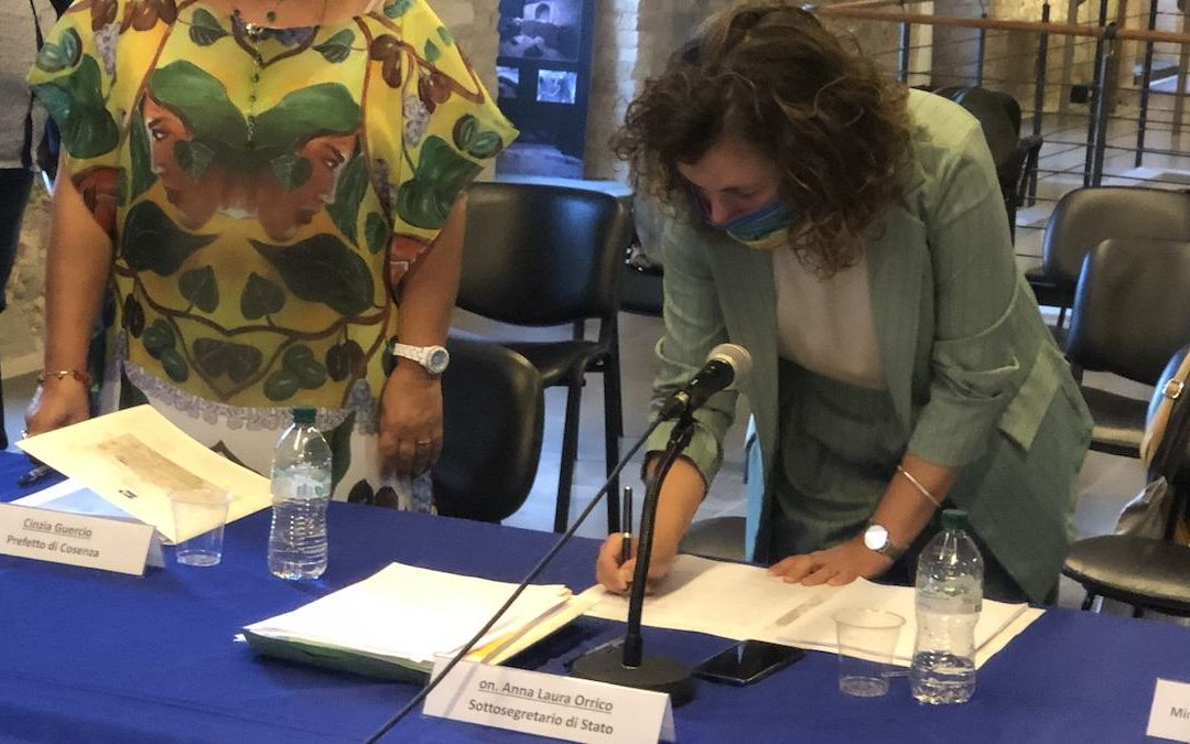 Anna Laura Orrico alla firma del Contratto Istituzionale di Sviluppo