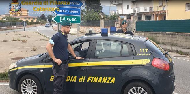 I controlli della guardia di finanza a Lamezia Terme
