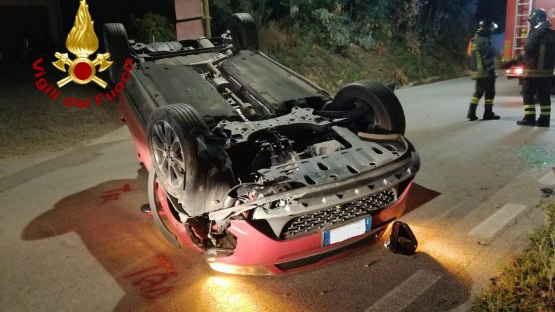 Incidente stradale a Bonito, auto ribaltata e conducente illeso