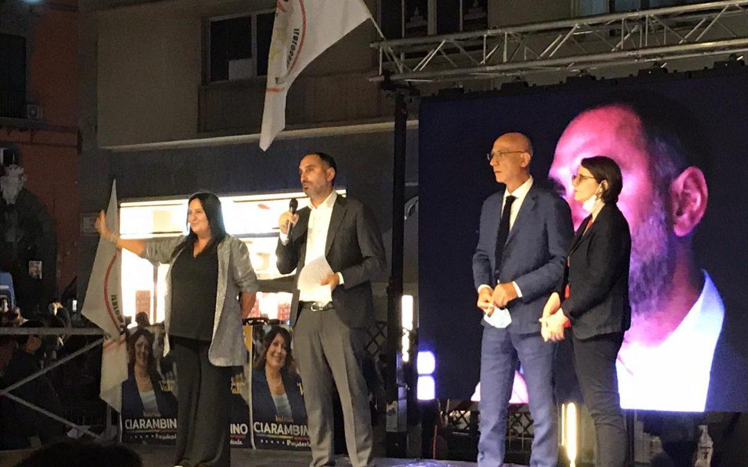 Regionali, i candidati irpini sul palco di Napoli con i big del Movimento 5 Stelle