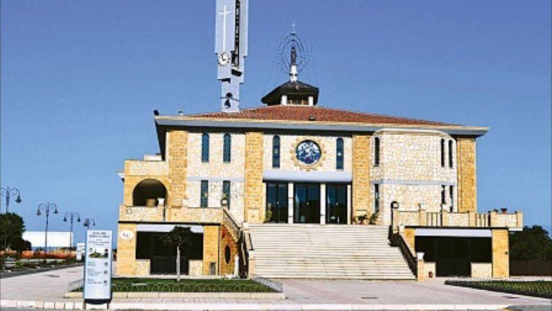 Suora aggredita in sacrestia durante la messa: migrante arrestato nel Crotonese