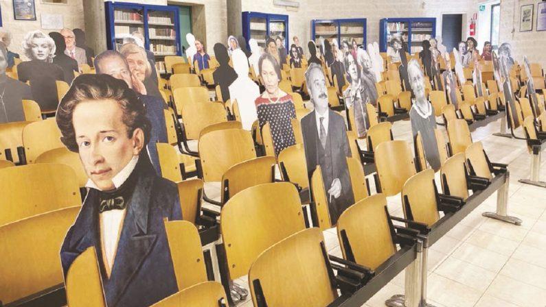 Distanziamento a scuola? Ci pensano i miti della storia