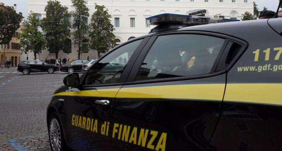 Maxi frode sui finanziamenti pubblici nel Messinese, 8 denunce