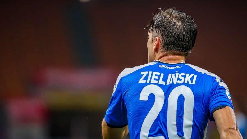 Serie A, Zielinski e un collaboratore positivi al Covid nel Napoli