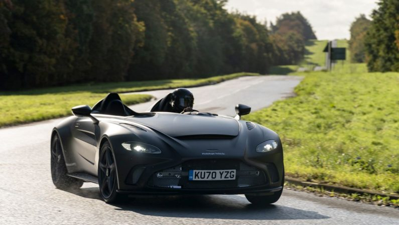 Solo 88 esemplari per l'Aston Martin V12 Speedster