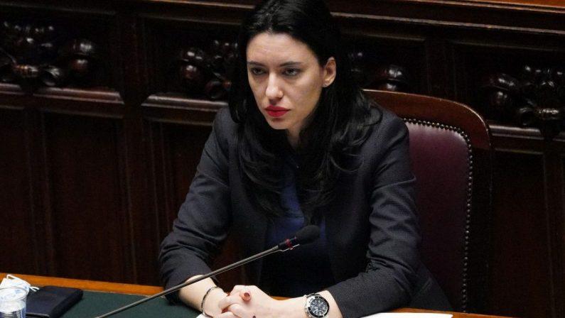 Scuola, il ministro Azzolina: «Da De Luca decisione gravissima»