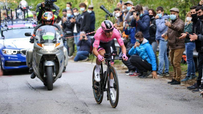 Giro d'Italia 2020, Geoghegan Hart vince la 15esima tappa a Piancavallo, Almeida resta in rosa