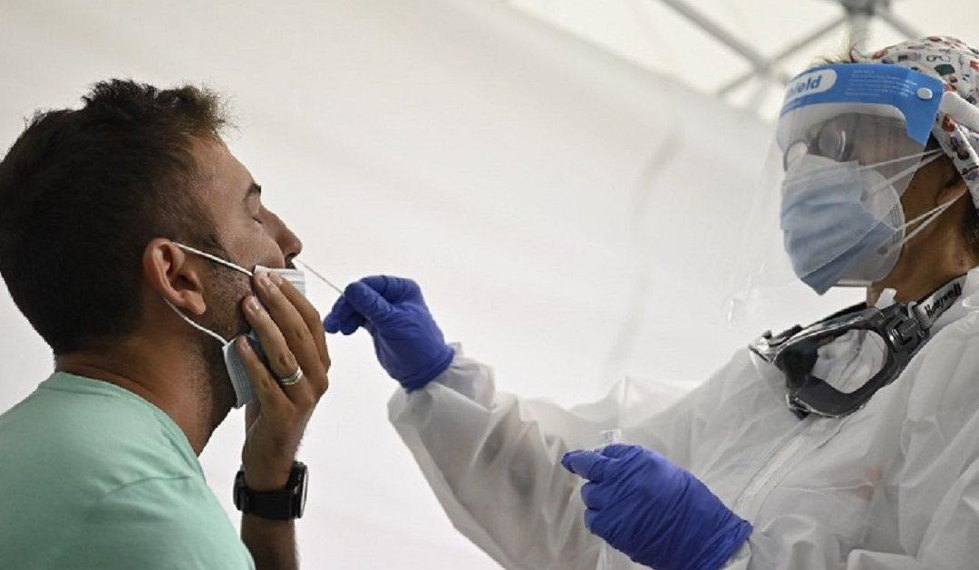 Coronavirus in Italia, 10.874 nuovi casi e 89 decessi. Sono oltre 140mila i casi attivi